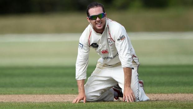 न्यूजीलैंड की टीम को अभ्यास मैच में ही लगा बड़ा झटका, ये खिलाड़ी चोट के कारण सीरीज से हो सकता है बाहर 4