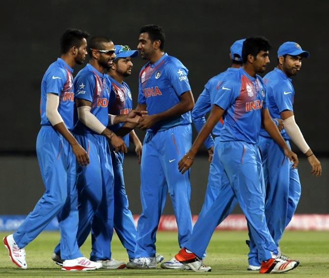 INDvAUS: ऑस्ट्रेलिया के खिलाफ T20 सीरीज में कोहली से लेकर धोनी तक के पास रहेगे बड़े बड़े कीर्तिमान बनाने का मौके 1