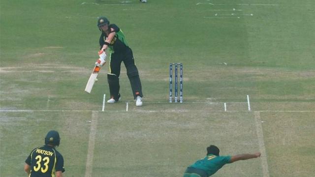 वीडियो- इससे पहले आपने क्रिकेट के मैदान में कभी नहीं देखा होगा ऐसा अनोखी बल्लेबाजी स्टांस 1