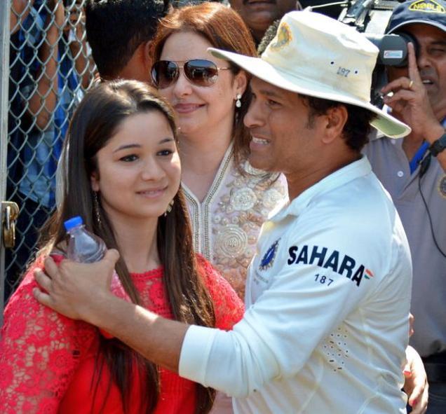 RUMOURS: सचिन तेंदुलकर की बेटी सारा तेंदुलकर का इस मशहुर हस्ती के साथ चल रहा हैं अफेयर, नाम सुनकर आपके भी होगी काफी हैरानी 6
