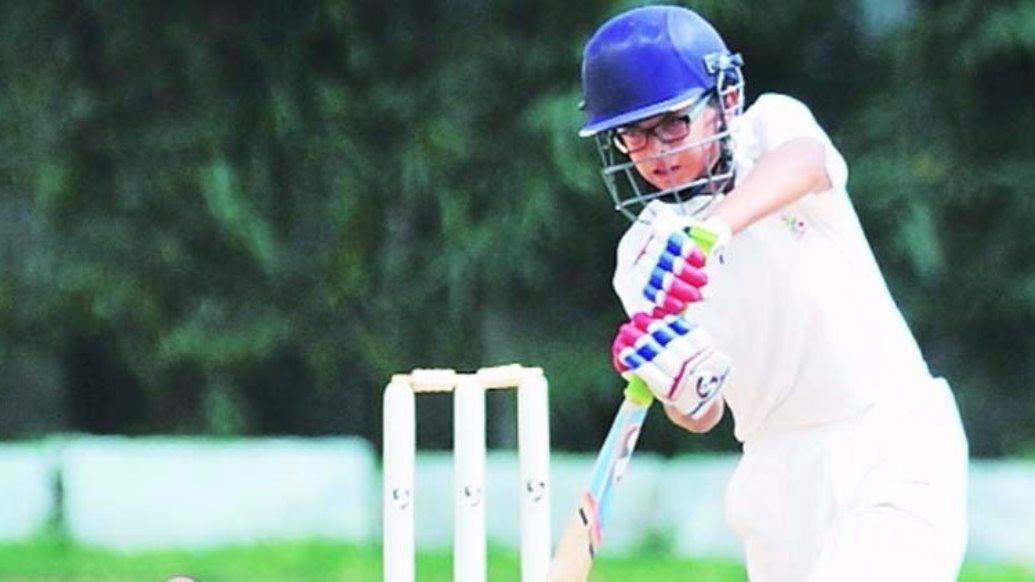अपने पिता के नक्शे कदम पर चल निकला समित द्रविड़, गेंदबाजी करने से भी डरते है गेंदबाज 1