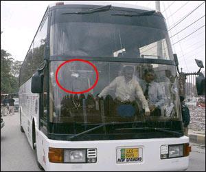पाकिस्तान पहुंचे के बाद भावुक हुए कुमार संगकारा, साल 2009 के आतंकी हमलों को लेकर कहा... 1