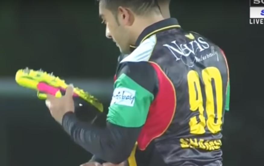 वीडियो : 140 साल के क्रिकेट इतिहास में पहली बार दिखी विकेट लेने के बाद ये अजीबोगरीब सेलिब्रेशन, हँसने लगे अम्पायर समेत सभी 3