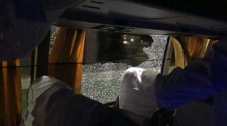 ऑस्ट्रेलियाई टीम बस पर हमला करने को लेकर 4 गिरफ्तार..हमला करने से पहले किया था ये शर्मनाक काम 1