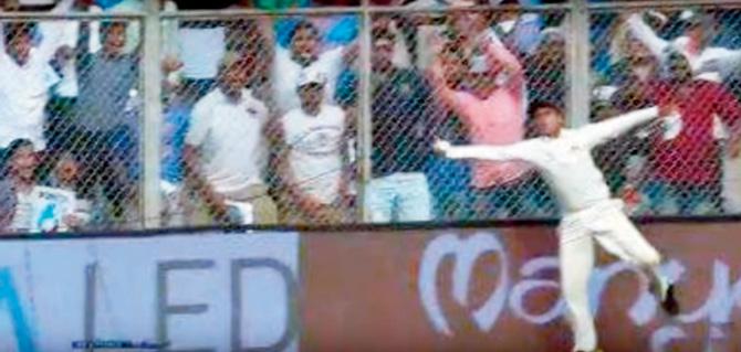 अंडर 14 के इस क्रिकेटर ने कल लपका था अर्द्धशतक लगाने के पहले विराट का कैच, लेकिन अम्पायर ने कहा…..