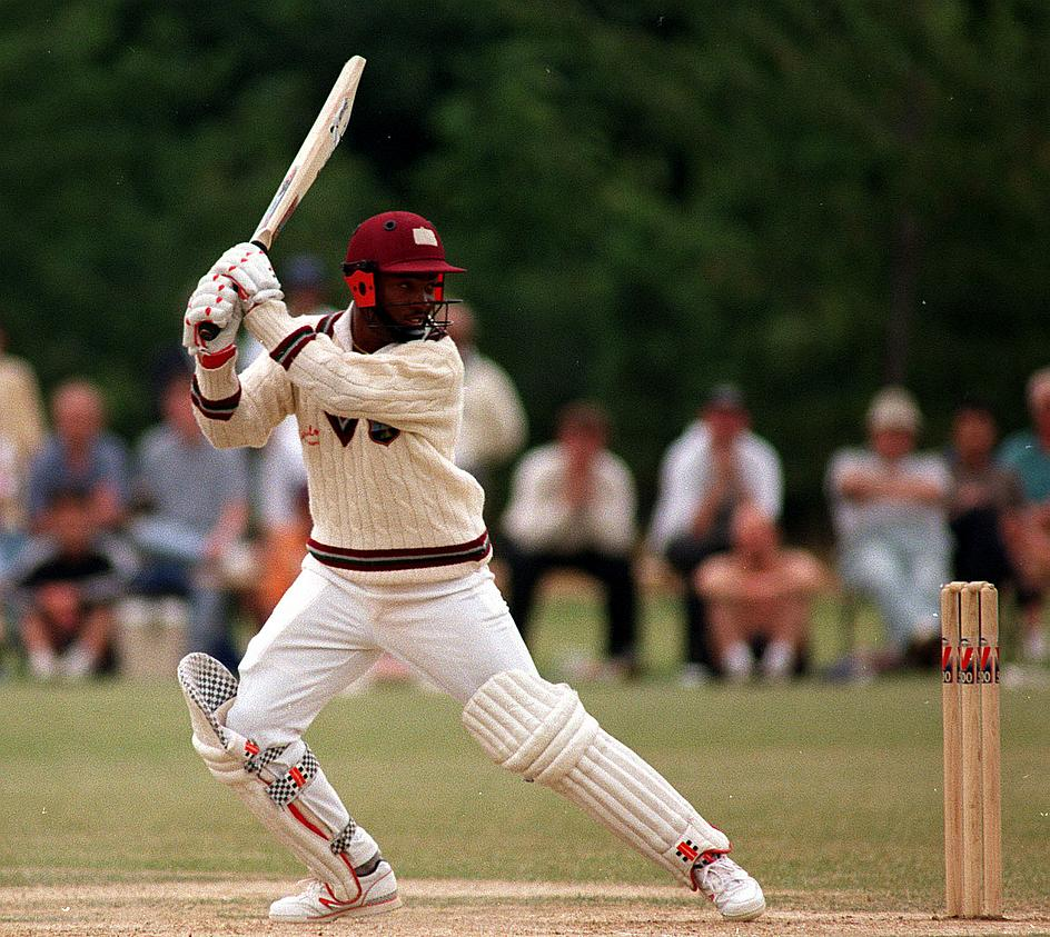 ग्लेन मैक्ग्रा और एंडरसन को नहीं बल्कि इस गेंदबाज को ब्रायन लारा ने बताया दुनिया का सबसे तेज गेंदबाज 10