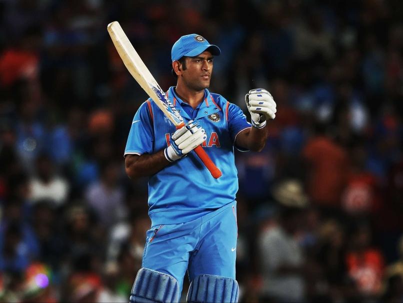 अजित अगारकर का फिर उबला खून, कहा टी-20 टीम में अब फिट नहीं बैठते है महेंद्र सिंह धोनी 1