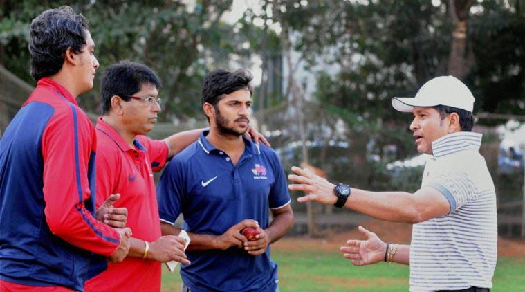 डेब्यू मैच में 10 नम्बर की जर्सी पहन चर्चा में आये शार्दुल ठाकुर को सचिन के इस मन्त्र की वजह से मिला भारतीय टीम में जगह 4