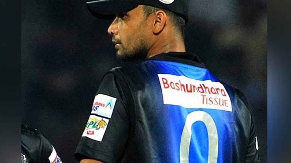 शर्मनाक: बांग्लादेश ने फिर किया क्रिकेट को शर्मसार, मैच के दौरान क्रिकेट स्टेडियम में ही ये शर्मनाक काम करते पकड़ा गया बोर्ड अधिकारी 2