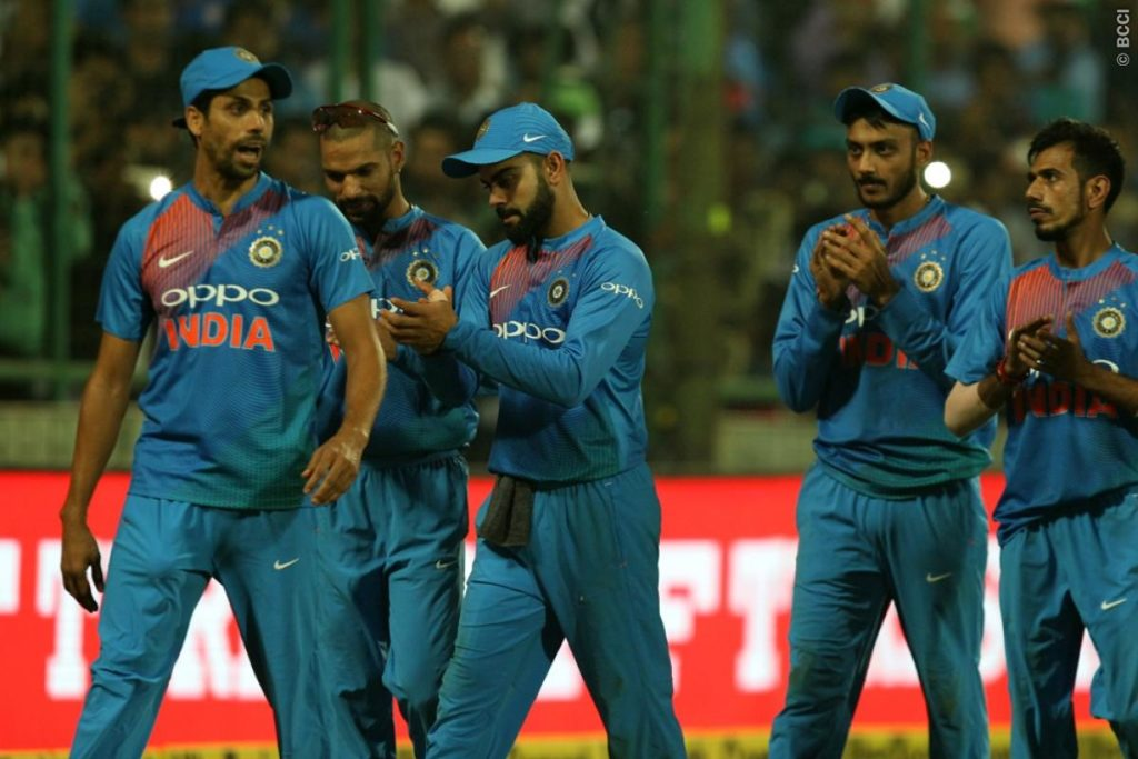 सरकार द्वारा जनरेटरो पर प्रतिबन्ध लगाये जाने के बाद इनकी मदद से खेला गया पहला टी-20 मैच 2