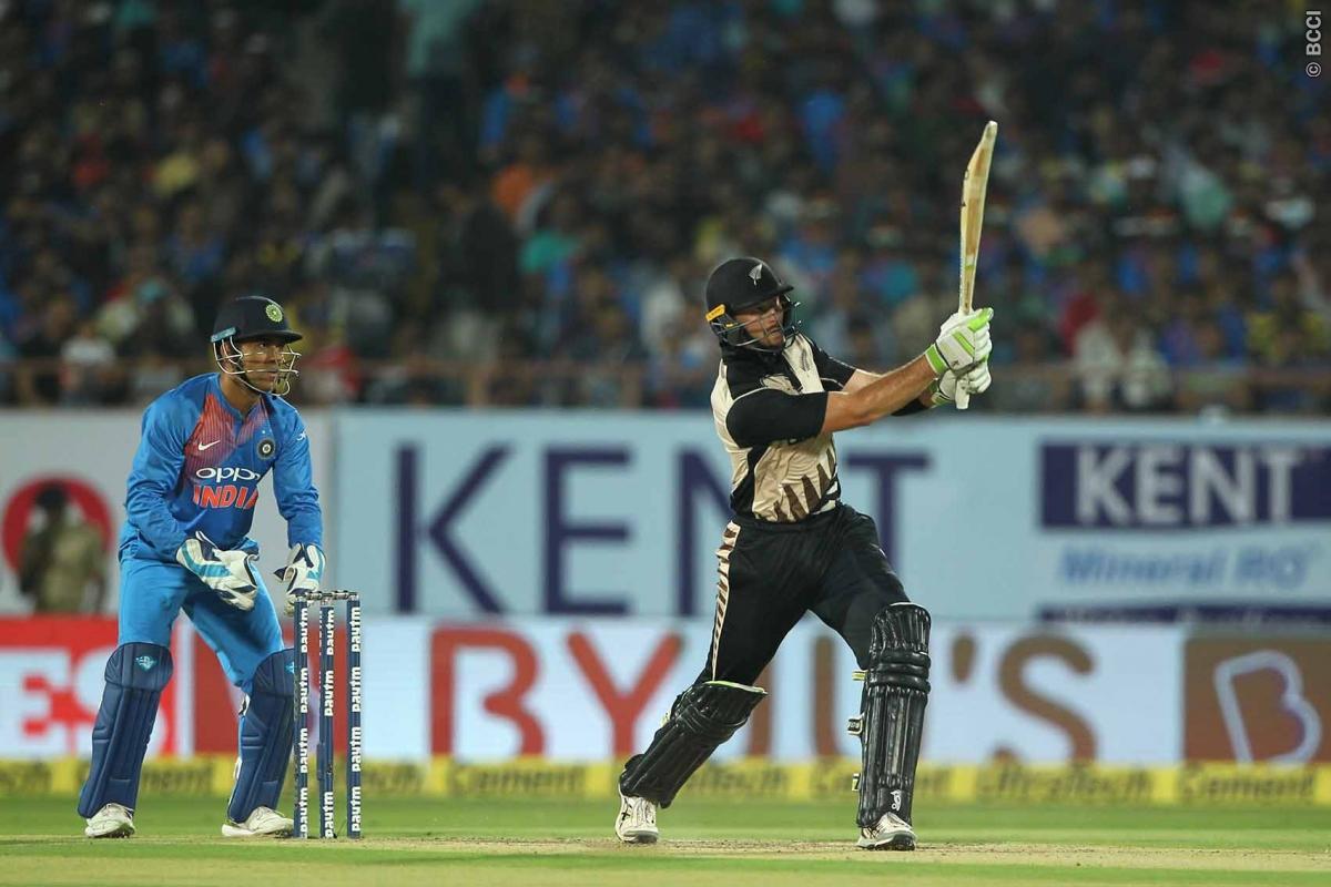 किसने क्या कहा: भारत के मैच हारते ही एक बार फिर से आलोचकों के निशाने पर धोनी, सर जडेजा और मोहम्मद कैफ ने कही ये बात 1