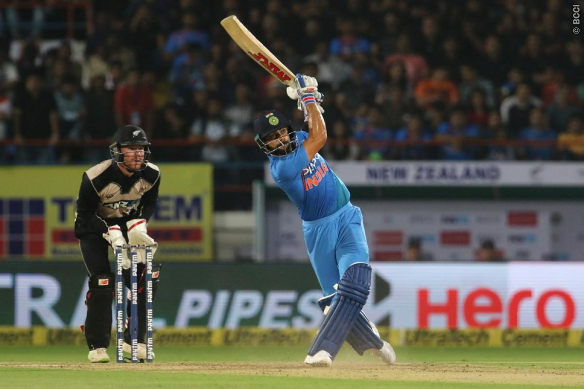 किसने क्या कहा: भारत के मैच हारते ही एक बार फिर से आलोचकों के निशाने पर धोनी, सर जडेजा और मोहम्मद कैफ ने कही ये बात 5