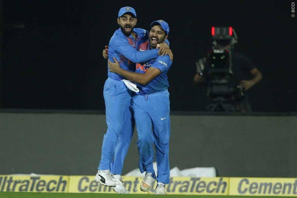 सीरीज जीतने के बाद कोहली, धोनी और रोहित को नहीं बल्कि इस खिलाड़ी को दिया कोच शास्त्री ने पूरा श्रेय 6