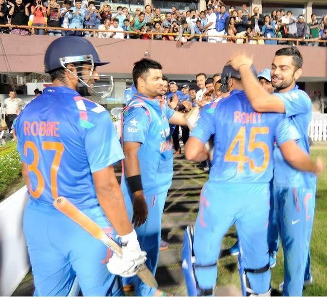 ये है भारत के वो 2 निःस्वार्थी क्रिकेटर जिन्होंने साथी खिलाड़ी के लिए क्रिकेट के मैदान पर किया बड़ा त्याग 3