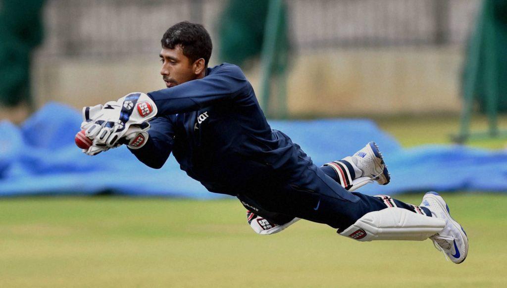 रिद्धिमान साहा से मिलकर महेंद्र सिंह धोनी ने श्रीलंका टेस्ट से पहले साहा को दिया ये विकेटकीपिंग टिप्स, खुद साहा ने किया खुलासा 5