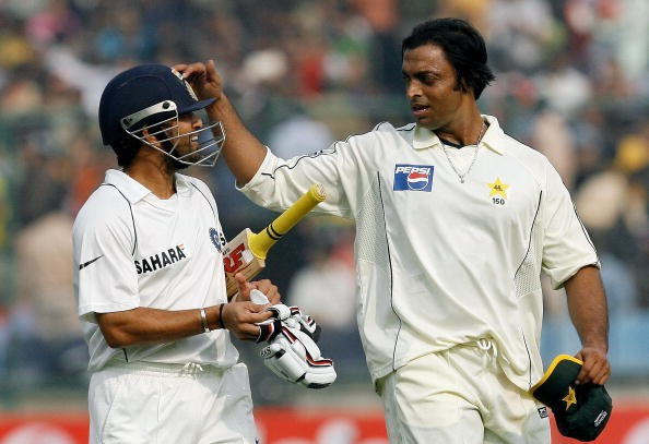 दुनिया के सबसे खतरनाक गेंदबाज शोएब अख्तर सचिन और सहवाग को नहीं बल्कि इस भारतीय बल्लेबाज को गेंदबाजी करने से जाते थे कांप 3