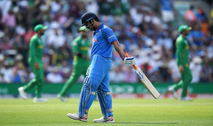 यह भारतीय खिलाड़ी नहीं चाहता अब धोनी आगे किसी सीरीज में हो भारतीय टीम का हिस्सा 2