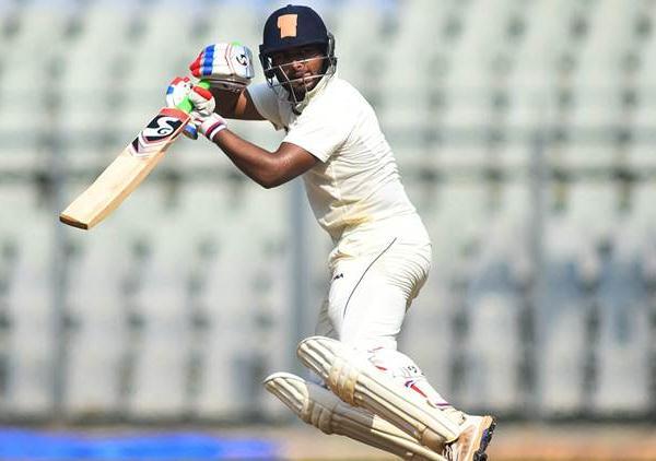 श्रीलंका के खिलाफ टी-20 सीरीज के लिए धोनी के जगह इस खिलाड़ी को जगह मिलना तय, रणजी में गरज रहा है बल्ला 12