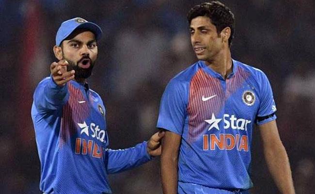 न्यूज़ीलैंड में भारत की शर्मनाक टेस्ट और वनडे सीरीज हार पर आशीष नेहरा ने विराट को लगाई फटकार 8