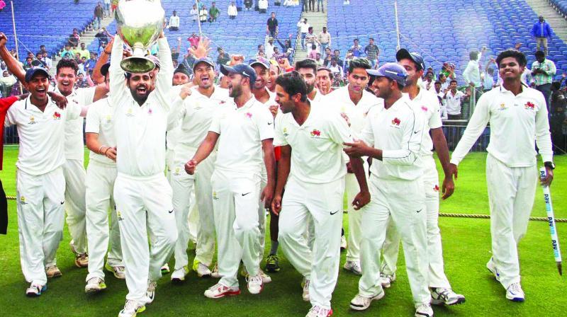 मुंबई के नाम दर्ज है घरेलू क्रिकेट का सबसे बड़ा विश्व रिकॉर्ड, आज तक नहीं तोड़ सकी है कोई दूसरी टीम 19