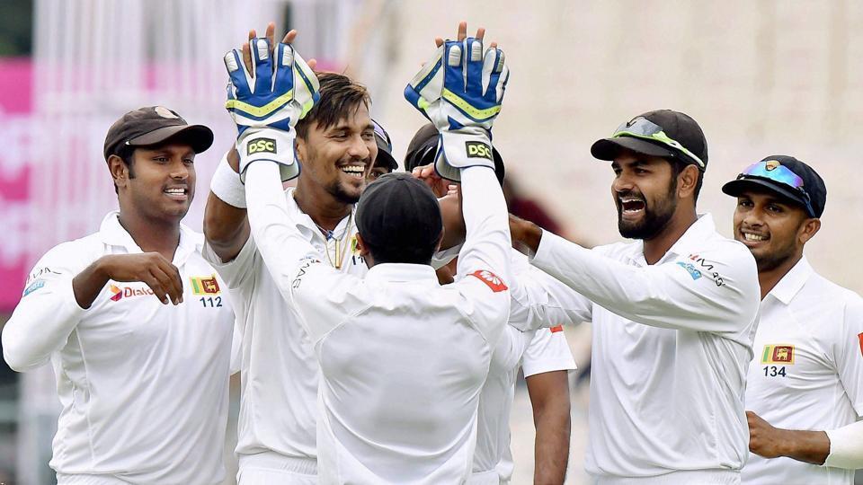श्रीलंका के तेज गेंदबाज सुरंगा लमकल की मां ने इस भारतीय खिलाड़ी को बताया दुनिया का सर्वश्रेष्ठ बल्लेबाज 5