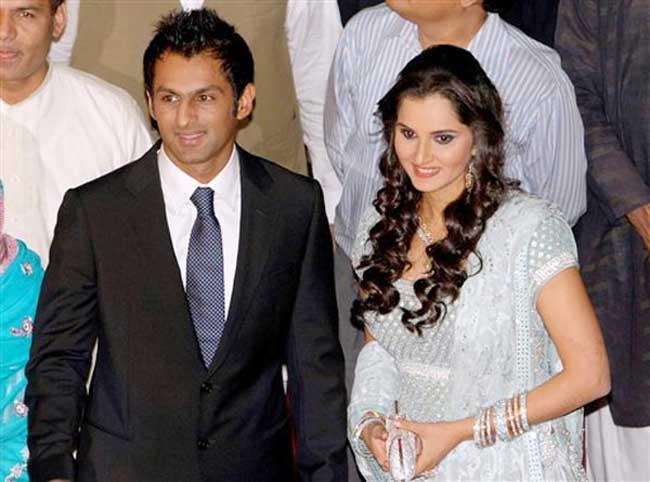 सानिया मिर्जा का नम्बर लेने के लिए शोयब मलिक ने महीनों लगाये चक्कर, शादी के पहले ही सानिया के घर डाल लिया डेरा 4