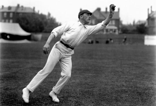 विश्व रिकार्ड्: 70 सालो में आज तक नहीं टूटे क्रिकेट के ये 10 रिकॉर्ड, अब इन्हें तोड़ पाना मुश्किल नहीं नामुमकिन 5