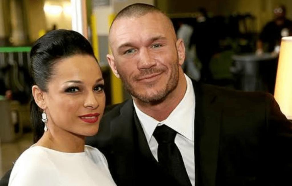 TOP 5: ये हैं WWE रेस्लर की वो पत्नी जिनकी खूबसूरती देख इनसे होंने लगेगी आपको भी जलन 2