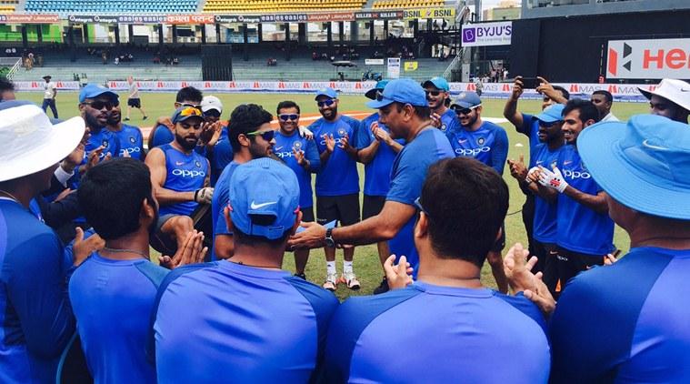 श्रीलंका के खिलाफ वनडे टीम के चयन से ठीक पहले चोटिल हुआ यह भारतीय खिलाड़ी बढ़ी चयनकर्ताओं की मुसीबत 10