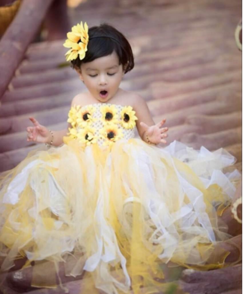VIDEO: एक बार फिर से चर्चा में आई धोनी की बेटी जीवा, सोशल मीडिया पर हाथों में बेलन लिए आई नजर 2