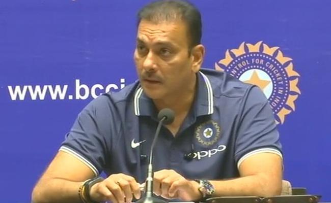 बूम बूम बुमराह के टेस्ट टीम में चयन पर पहली बोले रवि शास्त्री, चुप्पी तोड़ दिया बड़ा बयान 11