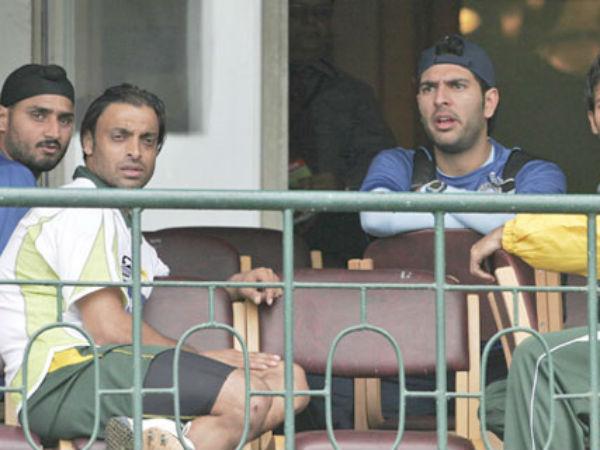 सोशल मीडिया पर युवराज सिंह ने उड़ाया शोएब अख्तर का मजाक, कहा कुछ जो नहीं होगा अख्तर को हजम 9