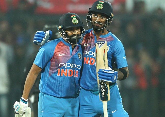 लोकेश राहुल का चौकाने वाला खुलासा रोहित को पता ही नहीं था लगा चुके है शतक, 11 वें ओवर में दोनों के बीच हुई थी ये बात 2