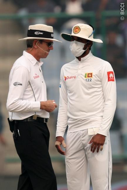 श्रीलंकाई टीम के ड्रामे और विराट कोहली के आउट के बाद भारतीय प्रसंशको ने श्रीलंका टीम को दिया ये नाम 2