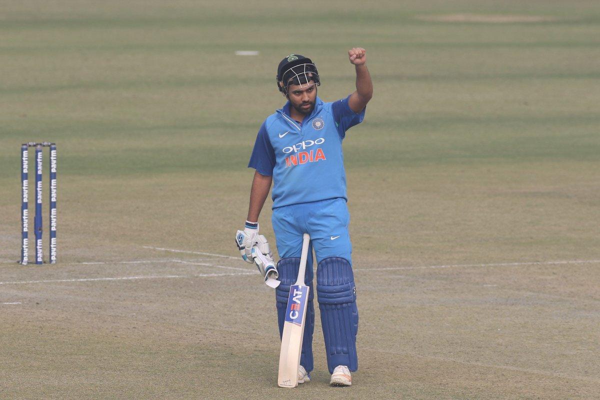 वीडियो: 48.3 ओवर में 2 रन की जगह रोहित के 1 रन भागने पर गुस्सा हुए हार्दिक ने कैमरे के सामने दिखाया अपना रौद्र रूप 1