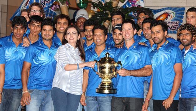 IPL 2018: ये हैं वो 5 कारण जिनके चलते चौथी बार आईपीएल का खिताब अपने नाम कर सकती हैं मुंबई इंडियन्स 3