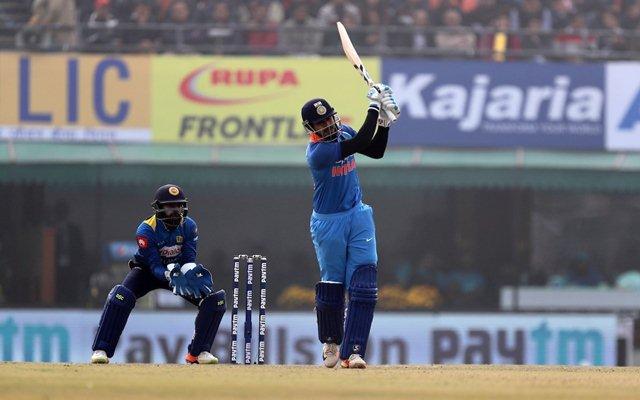 भारत बी को अपनी कप्तानी में देवधर ट्रॉफी का खिताब दिलाने के बाद स्टार भारतीय खिलाड़ी श्रेयर अय्यर ने कोहली पर लगाया ये विराट आरोप 6