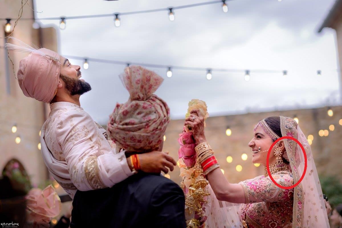 अपने ही शादी में अनुष्का शर्मा से हुई ऐसी गलती जिसके बाद दुनिया के सामने होना पड़ रहा है अब शर्मसार 1