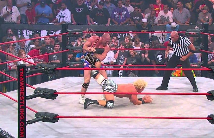 WWE रेस्लरो की पांच ऐसी असल जिन्दगी की घटनाएं जिन्हें कंपनी ने स्टोरीलाइन का रूप दिया, रॉक का नाम भी है शामिल 3