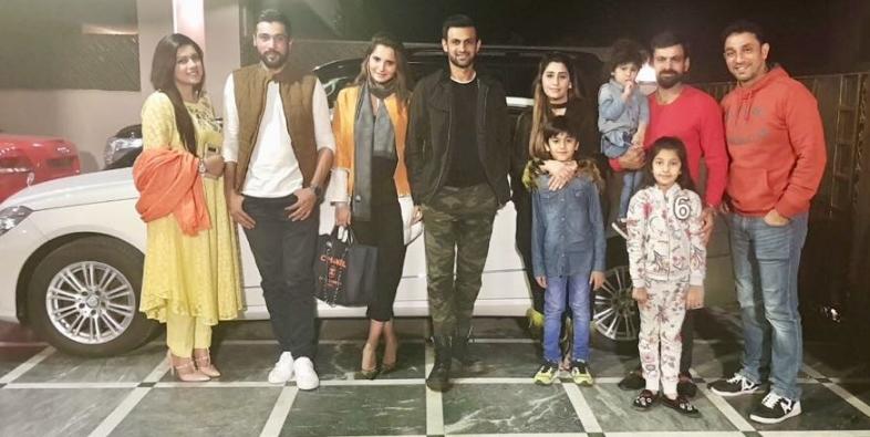 PHOTOS : भारत-पाकिस्तान बॉर्डर पर चल रहा तनाव, लेकिन सानिया मिर्जा कर रही हैं पति शोएब के साथ पाकिस्तान में एन्जॉय 2