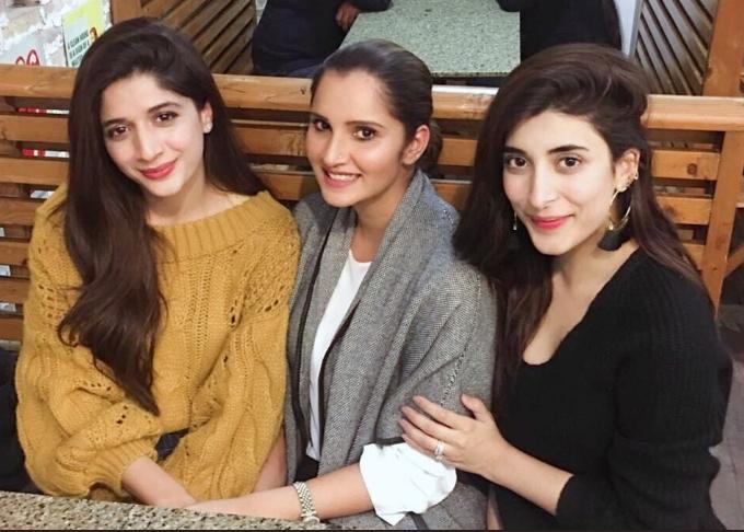 PHOTOS : भारत-पाकिस्तान बॉर्डर पर चल रहा तनाव, लेकिन सानिया मिर्जा कर रही हैं पति शोएब के साथ पाकिस्तान में एन्जॉय 5
