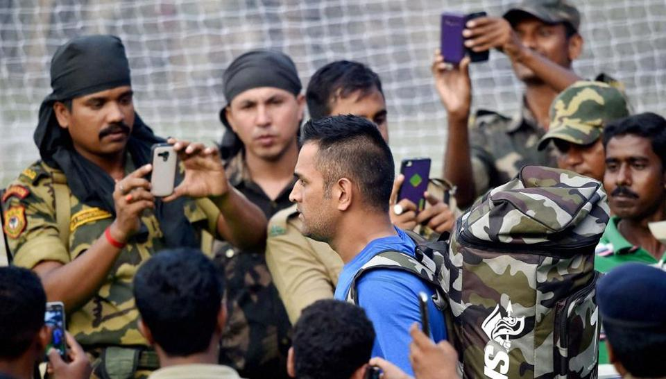 रोहित शर्मा की कप्तानी में भारतीय टीम के पास कटक में शर्मनाक रिकॉर्ड को बदलने की चुनौती..पिछले मैच में धोनी की हुई थी बेइज्जती 3