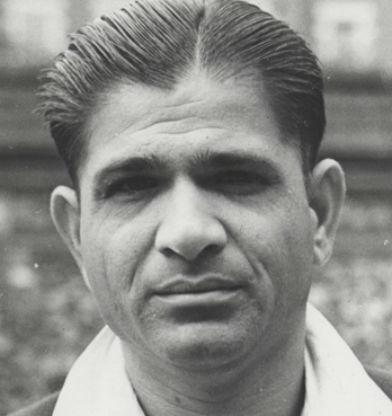 महेंद्र सिंह धोनी से पहले इन भारतीय क्रिकेटरों को मिल चुका है देश का सबसे बड़ा सम्मान पद्म भूषण 3