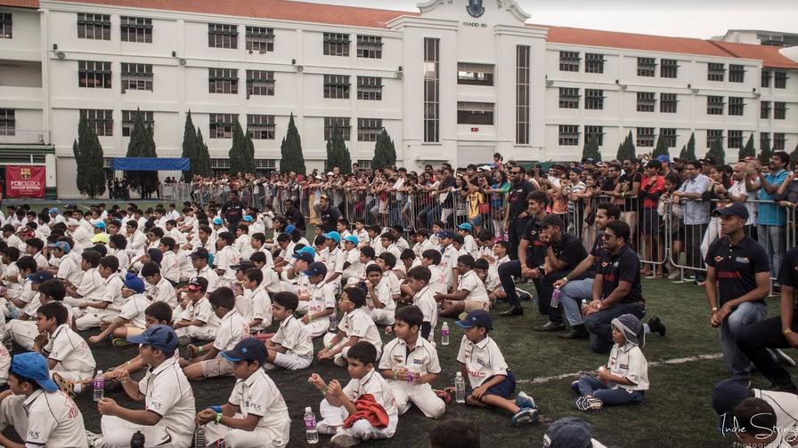 दुबई के बाद अब सिंगापुर में खुली 'धोनी ग्लोबल क्रिकेट एकेडमी', उद्घाटन के मौके माही ने युवा खिलाड़ियों को दिया एक बड़ा सन्देश 3