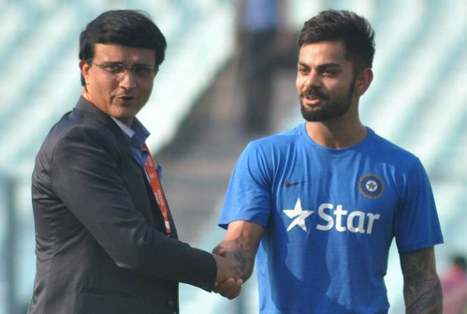 चौतरफा विराट कोहली की कप्तानी की हो रही आलोचना के बीच अब खुद पूर्व कप्तान सौरव गांगुली ने भी बोल दी विराट की कप्तानी पर ये बात 2