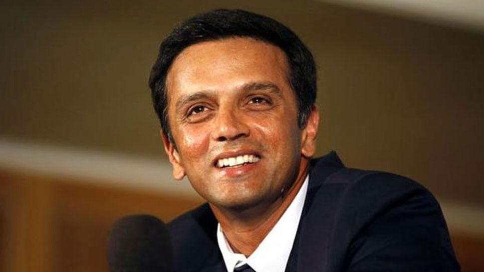 महेंद्र सिंह धोनी से पहले इन भारतीय क्रिकेटरों को मिल चुका है देश का सबसे बड़ा सम्मान पद्म भूषण 9