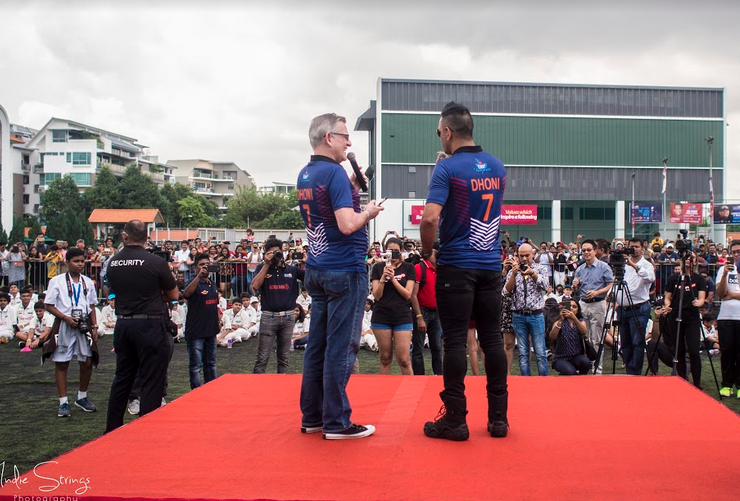 दुबई के बाद अब सिंगापुर में खुली 'धोनी ग्लोबल क्रिकेट एकेडमी', उद्घाटन के मौके माही ने युवा खिलाड़ियों को दिया एक बड़ा सन्देश 2