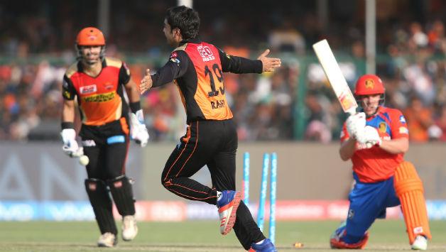 VIDEO: डीजे ब्रावो ने चैपियन के बाद किया दूसरे गाने को लांच,अफगानी क्रिकेटर राशिद खान के अलावा साथ में थिरका यह श्रीलंकाई क्रिकेटर 3
