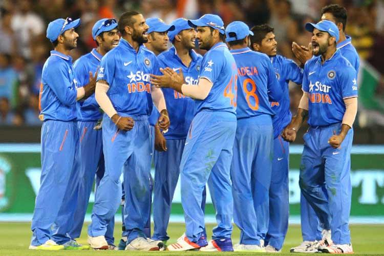 इस भारतीय खिलाड़ी ने कोलंबो को बताया मुंबई से ज्यादा साफ, तो लोगो ने लगाई फटकार 13