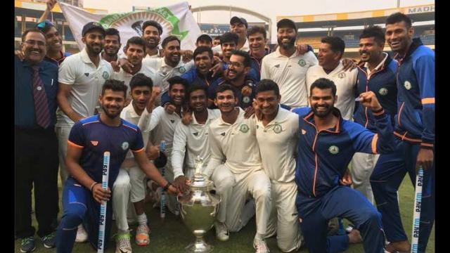 रणजी ट्रॉफी का पहला खिताब जीतने के बाद विदर्भ के कप्तान फैज फजल ने दिया भावुक बयान, भारत के लिए खेलना नहीं इसको बताया अपनी सबसे बड़ी उपलब्धि 1